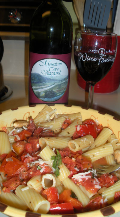 Roasted red peppers in a tomato cream sauce with rigatoni